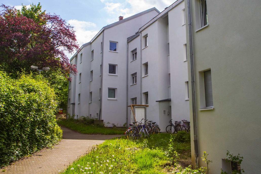 Wohnheim Sudetenstraße 125-129 - Außenansicht (hinter dem Haus)